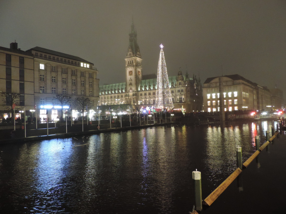 Hamburg bei Nacht - Hamburger Rathaus