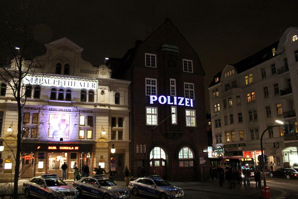 Davidwache Hamburg bei Nacht